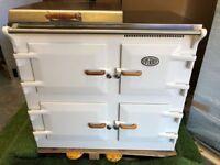 Lovely Everhot Range cooker Large oven kitchen applaince cream INC VAT