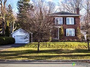 349 800$ - Maison 2 étages à vendre à Granby