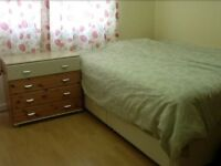 Lovely bright double room £380pm(including all bills)
