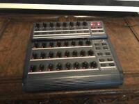 Behringer BCR 2000 b control Rotary USB midi