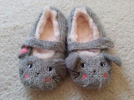 Girls Mouse Slippers Size 11, very good condition