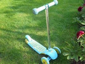Used Mini Street Cruz Scooter, Perfect working condition.