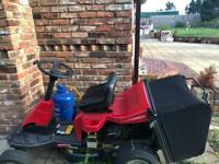 Ride on lawnmower petrol