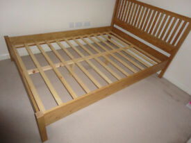 Double wood bed 200x145x39(104)