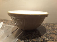 Large Vintage Mason and Cash Mixing Bowl.