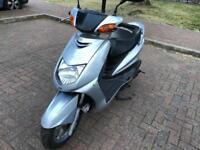 Yamaha cygnus 125cc moped scooter vespa honda piaggio yamaha gilera peugeot
