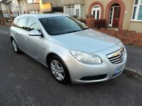 Vauxhall Insignia Estate 2011 6spd. man. Silver. FSH. 1 previous owner. Superb condition throughout