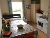 Studio flat - 5 Buckingham Road, Bletchley, Milton Keynes MK3 5HH