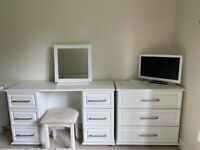 COLLINGWOOD BATCHELLOR OPERA COMPLETE SET OF BEDROOM FURNITURE IN NEW CONDITION
