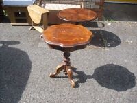 Most Pretty Clean Italian Walnut Marquetry Side Lamp Table