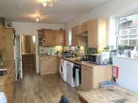 Spacious 4 bedroom property located close to Fulham Palace Road