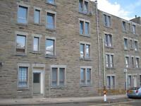 Large, unfurnished 2 bedroom flat in well maintained block - Hill Street Dundee