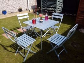 camp table and chairs