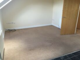 Available now - 2 bedroom flat - Shelf - £440