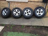 4 Nissan Navara alloys and tyres