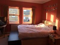 Large Double Ensuite Room in Kennington