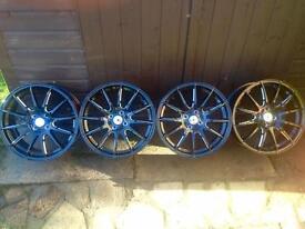 """17"""" multi-spoke alloy wheels"""