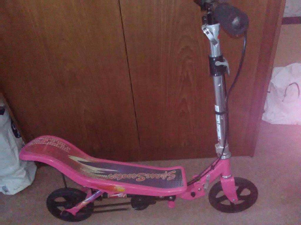 Girls space skooter