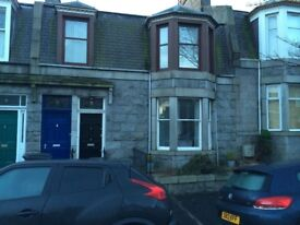 Large room in lovely 2 bed flat in Aberdeen