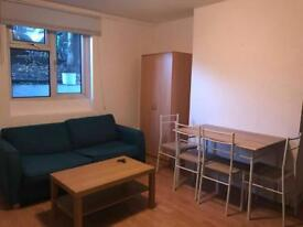 One bedroom flat in chiswick high road , W4 all bills are included