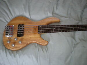 Bass Aria GB68 Carved ash body