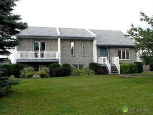 294 500$ - Maison à paliers multiples à vendre à Alma