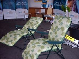 2 AS NEW SUN LOUNGERS