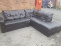 Lovely dark brown leather corner sofa. Good used condition. Can deliver