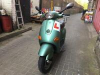 Piaggio vespa Et4 green 125cc excellent runner.