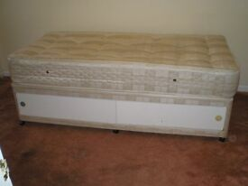 single bed divan with drawers and luxury mattress