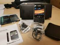 BLACKBERRY CURVE 8900  COMPLETE WITH BOX AND CABLES