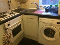 bright roomshare to let @ E13 9DA all bills inclusive near upton park station zone 3 available now!!
