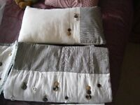 KING SIZE BEDDING SET - BUTTON DESIGN WITH BED RUNNER AND CUSHIONS