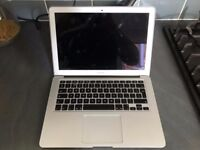 Apple MacBook Air 2013 (13 inch - 2012 version - 128 GB SSD + 4GB RAM) inc. charger