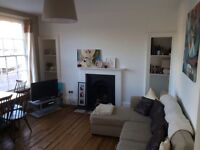 FOR RENT: Light and airy 2 bed flat in CENTRAL Bath with MASSIVE roof terrace