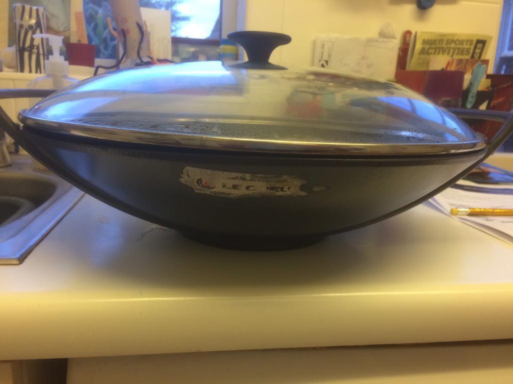 Le creuset cast iron wok | in Fetcham, Surrey | Gumtree