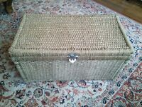 Seagrass chest
