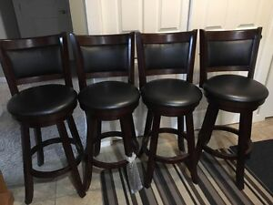Bar Stools in excellent shape  Regina Regina Area image 1