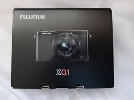 Fujifilm XQ1 (with TWO ORIGINAL batteries) REDUCED TO £60.00