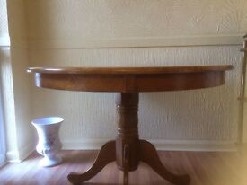 Round wood table & wood stand