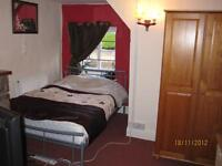Cosy double room to let in Cottage in Nailsea