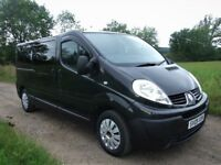 Diesel Renault Trafic 9-seater minibus. 1 Year's MOT with no advisories