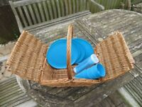 Picnic Basket and 4 Place Settings (Brand New)