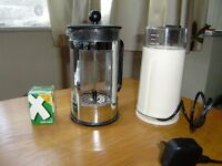 coffee grinder and cafetiere