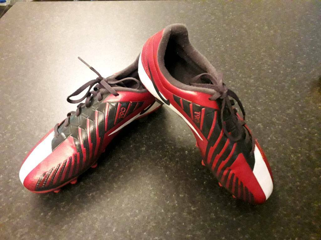 ae70cdffd42 Junior Nike Football Boots Size 6