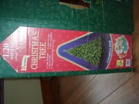 4 FTARTIFICIAL CANADIAN PINE CHRISTMAS TREE IN BOX