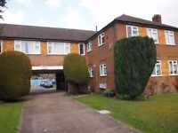 2 double bed ground floor flat in Hermiston Court, Friern Park, North Finchley N12 £1300pcm