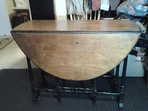 "Antique Oval 60"" x32"" baroque dropleaf/gate leg table"