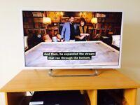 "JVC 32"" LED TV - White + remote *like NEW"