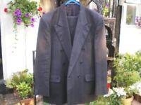 Mens Suit, Dark Grey 34 waist x 29 leg